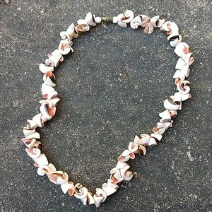 Jewelry - 3/$15 Shell necklace